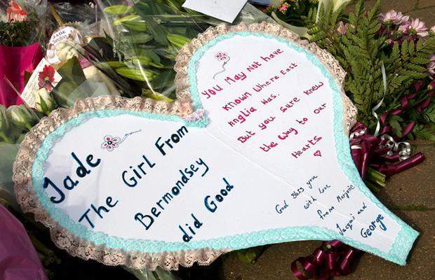 Messages left by members of the public are left on view at Jade Goody's house