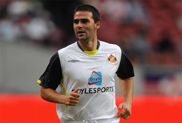 David Healy has said he will fight for first-team action at Sunderland