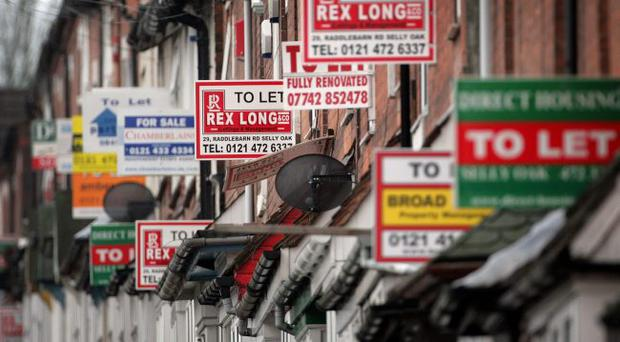 BIRMINGHAM, UNITED KINGDOM - NOVEMBER 21: To Let signs adorn houses in the Selly Oak area of Birmingham on November 21, 2007 in Birmingham, England. Buy-To-Let mortgage provider Paragon suffered further share price set backs today as its funding difficuties sent the stock tumbling a further 21%. The mortgage group's shares have lost more than half their value since news it may have to turn to shareholders for emergency funding and could close to new business if it cannot secure new credit. (Photo by Christopher Furlong/Getty Images)