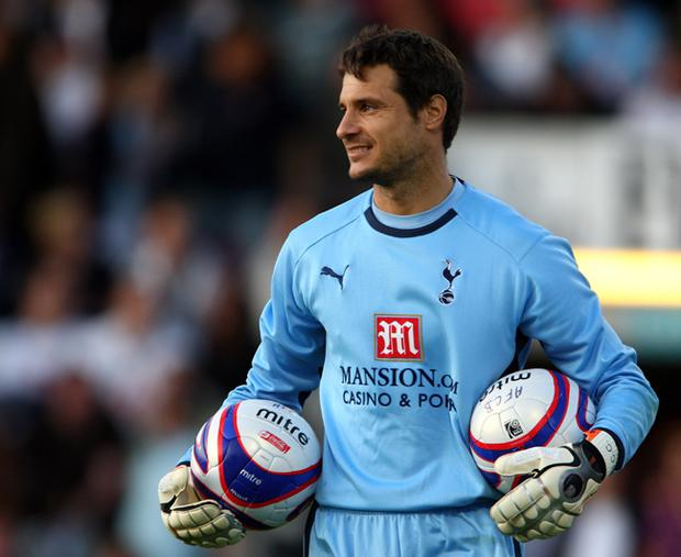Tottenham Hotspur goalkeeper Carlo Cudicini has injured his pelvis in a motorbike accident
