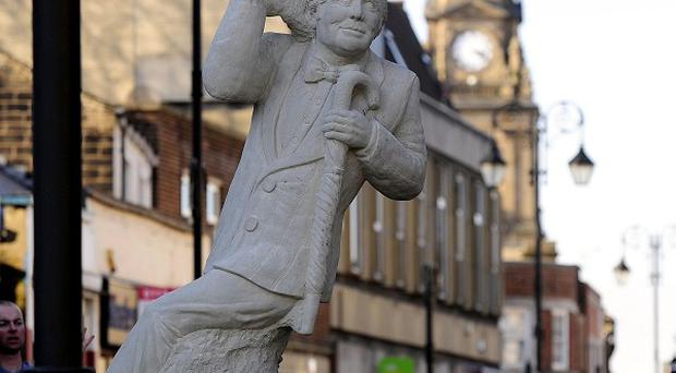 A statue of Ernie Wise has been unveiled in Morley, Leeds
