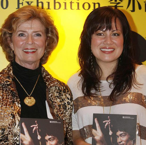 Bruce Lee's wife and daughter unveiled an exhibition
