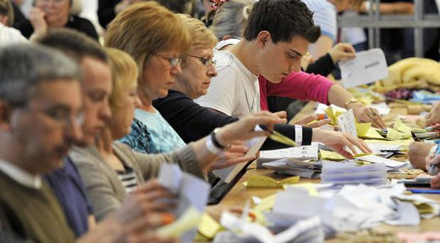 Election counting in Londonderry had to be suspended because of a bomb alert