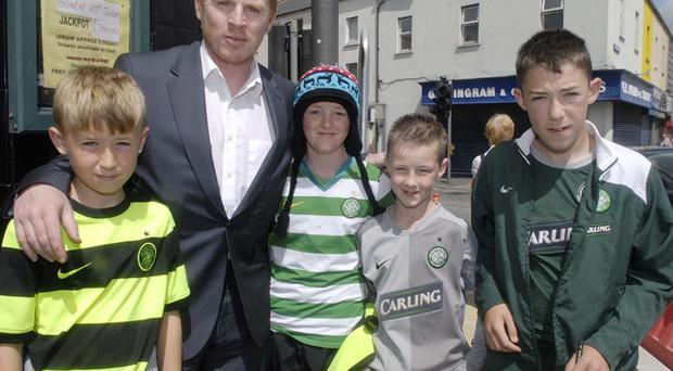 Celtic manager Neil Lennon meets fans Jamie Haye, Diarmuid Scullion, Daire Furphy and Caolan Lavery