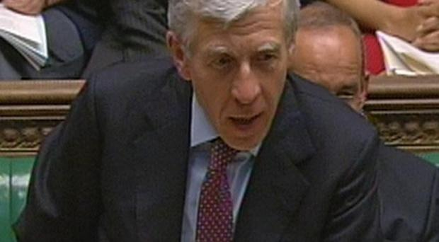 Former Justice Secretary Jack Straw has been invited to appear before a US hearing on the Lockerbie controversy