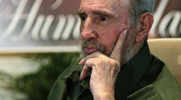 Fidel Castro has accused US authorities of torturing a convicted Cuban spy