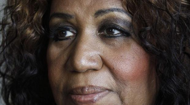 Aretha Franklin has cancelled two concerts after breaking ribs in a fall