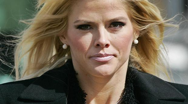 A Los Angeles prosecutor has claimed two doctors wrongly prescribed massive amounts of drugs to Anna Nicole Smith