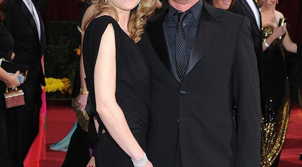 Sean Penn and Robin Wright have divorced