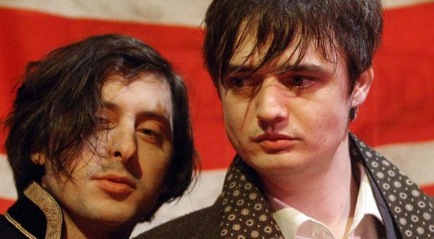 The Libertines will play a warm-up gig in London before their festival slot