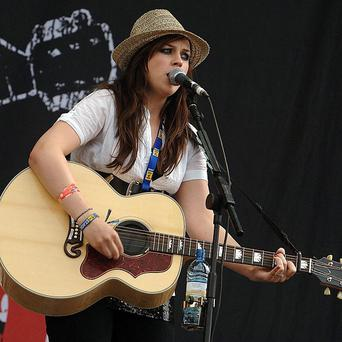 Amy Macdonald will play the Pinktober charity gig