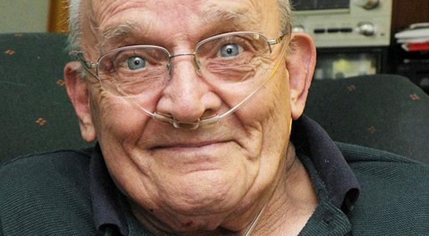 Ron Sveden had a sprouting pea lodged in his lung (AP/Cape Cod Times)