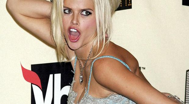 Anna Nicole Smith was addicted to prescription drugs, a psychiatrist has claimed