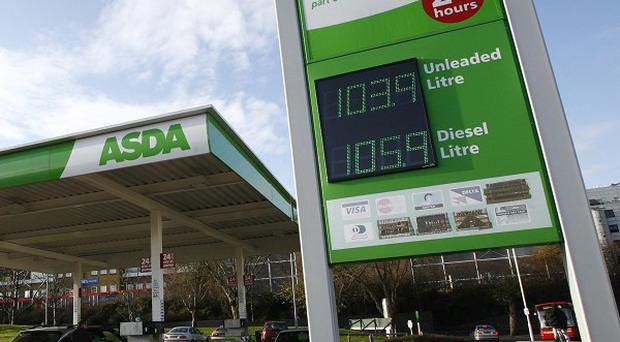 Supermarket chain Asda has lowered its fuel prices