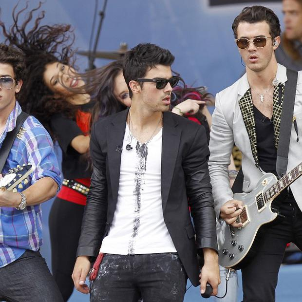 Joe Jonas celebrated his birthday on stage
