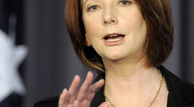 Julia Gillard wants British monarchy's ties with Australia to end