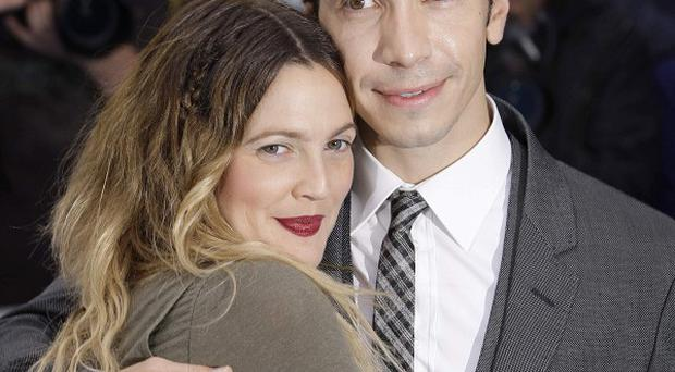 Drew Barrymore and Justin Long co-star in Going The Distance