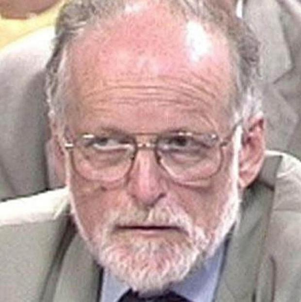 The pathologist who performed the autopsy on David Kelly said his death was a 'textbook case' of suicide