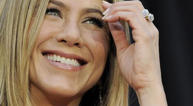 Jennifer Aniston will guest star in Cougar Town