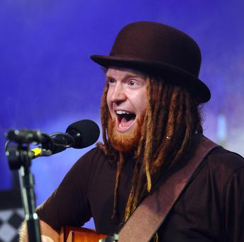 Newton Faulkner will be the headline act at a cancer charity busking event