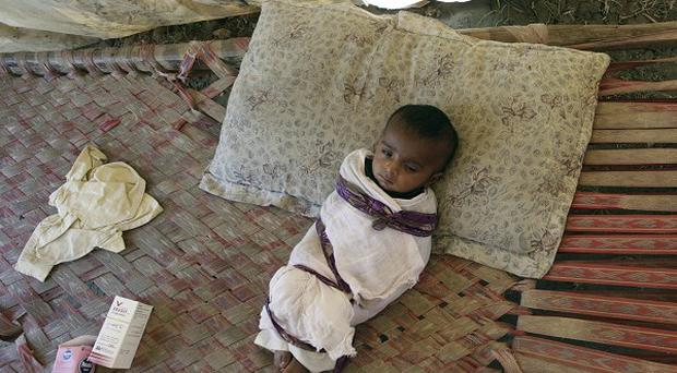 Up to 100,000 pregnant women and their children are at riek in the aftermath of Pkistan's floods, an aid agency has warned