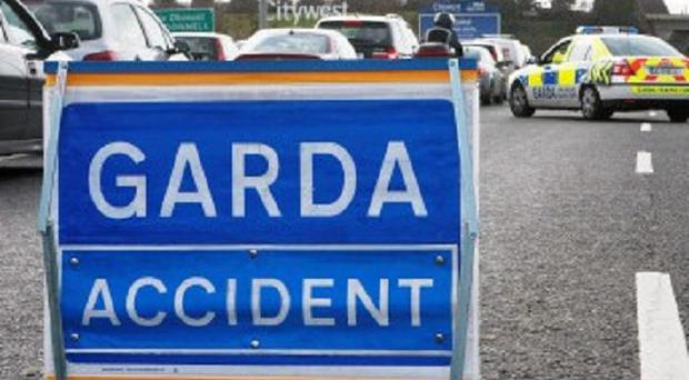 A man has been killed in a crash with a tree on the N8 road in Co Laois