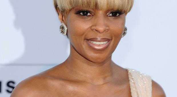 Mary J Blige will be supported by Lemar