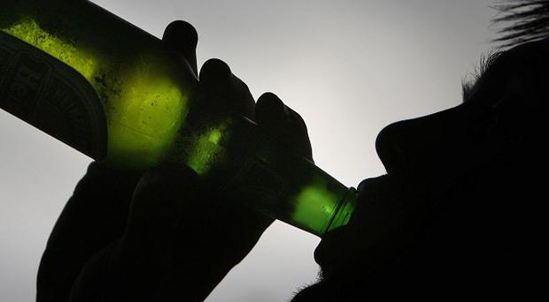 Not enough is being done to stop teenagers buying alcohol online, a report suggests