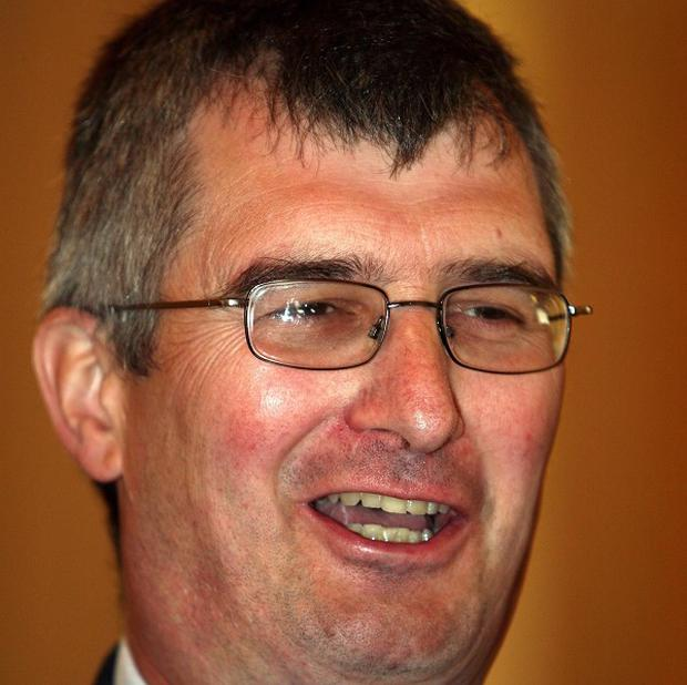 Tom Elliott will contest the UUP leadership race, it has been announced