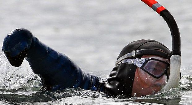 French limbless swimmer Philippe Croizon in action