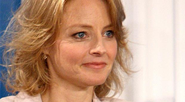 Jodie Foster says Mel Gibson is a 'friend'