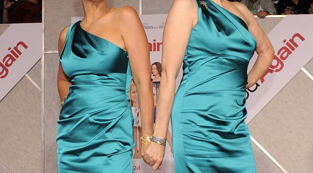 Jamie Lee Curtis and Sigourney Weaver wore the same dresses