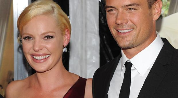 Josh Duhamel kisses Katherine Heigl in Life As We Know It
