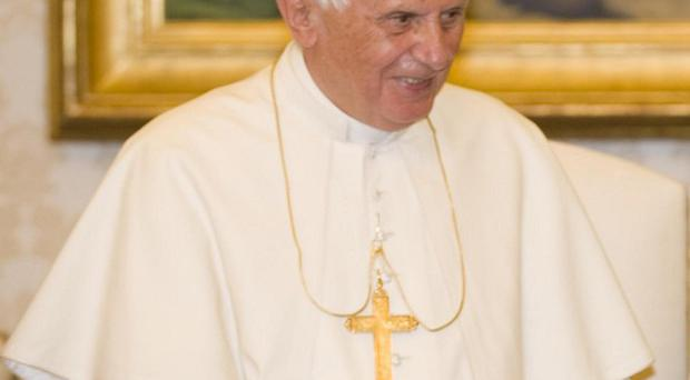 Pope Benedict XVI has summoned bishops to the Vatican to discuss the flight of Christians from the Middle East