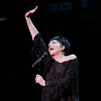 Liza Minnelli has bronchial pneumonia