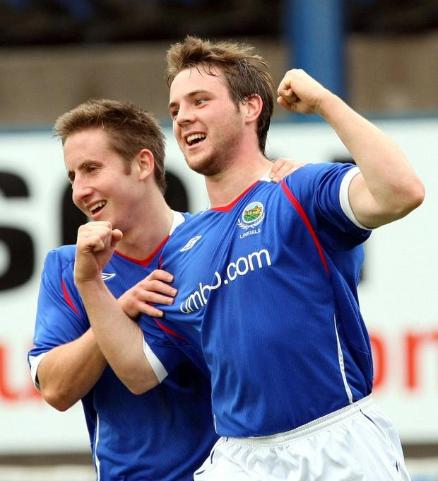 Linfield's Jamie Mulgrew (right)