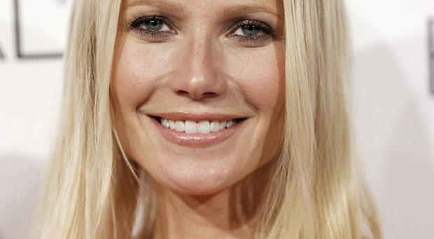 Gwyneth Paltrow will sing at the CMA Awards