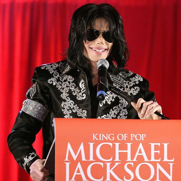 Defence lawyers want to test syringes found in Michael Jackson's home