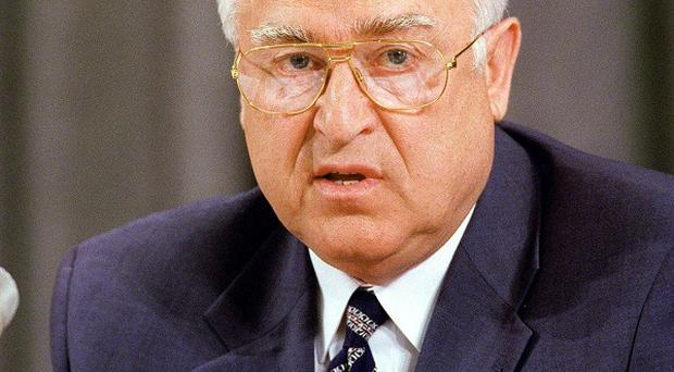 Former Russian prime minister Viktor Chernomyrdin has died, state media has reported
