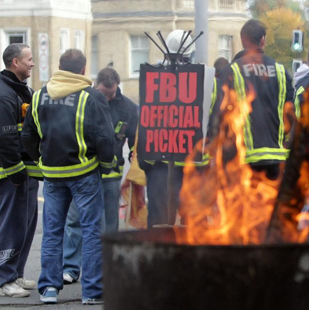 The Fire Brigades Union has cancelled its Bonfire Night strike following concerns about public safety