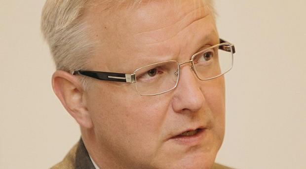 EU Economics Commissioner Olli Rehn has held meetings with opposition parties, employers and trade union leaders