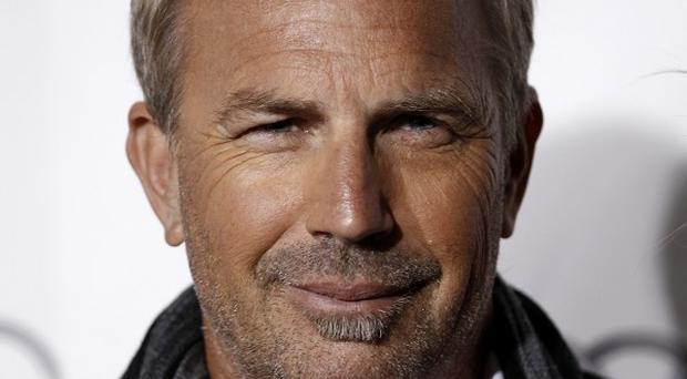 Kevin Costner says he has no fear of hard manual labour