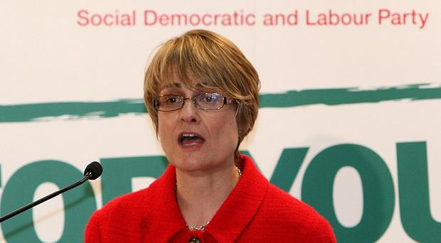 SDLP leader Margaret Ritchie is to wear a poppy on Remembrance Sunday