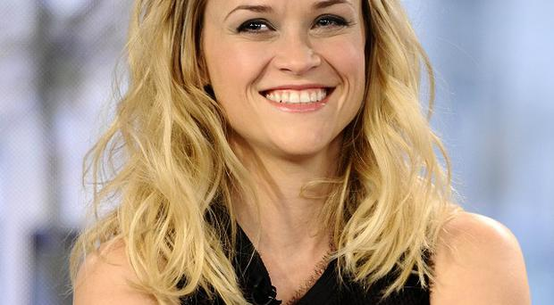 Reese Witherspoon reckons men correcting her grammar is a turn-off