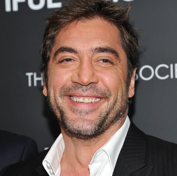 Javier Bardem fears his poor singing voice may ruin his chances of a Glee cameo
