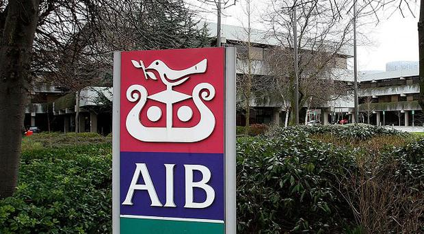 The vast majority of Allied Irish Banks staff will not share 40 million euro of bonuses, union chiefs claim