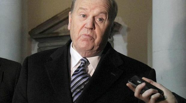 Fine Gael Finance spokesman Michael Noonan has criticised the bailout deal