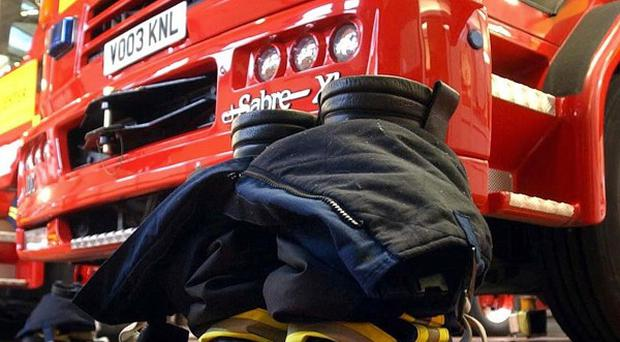 A scheme to replace 46 fire control centres in England with nine new sites is to be scrapped