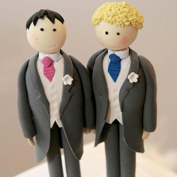 A plan to test the UK's ban on gay marriages and heterosexual civil partnerships has been stalled