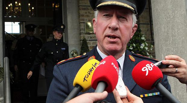 Garda Commissioner Fachtna Murphy has ordered a probe into 'corrupt officers'